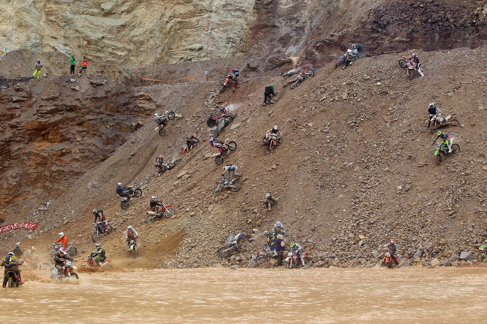 erzbergrodeo-2013-eisenerz-austria-red-bull-hare-scramble-start-hill
